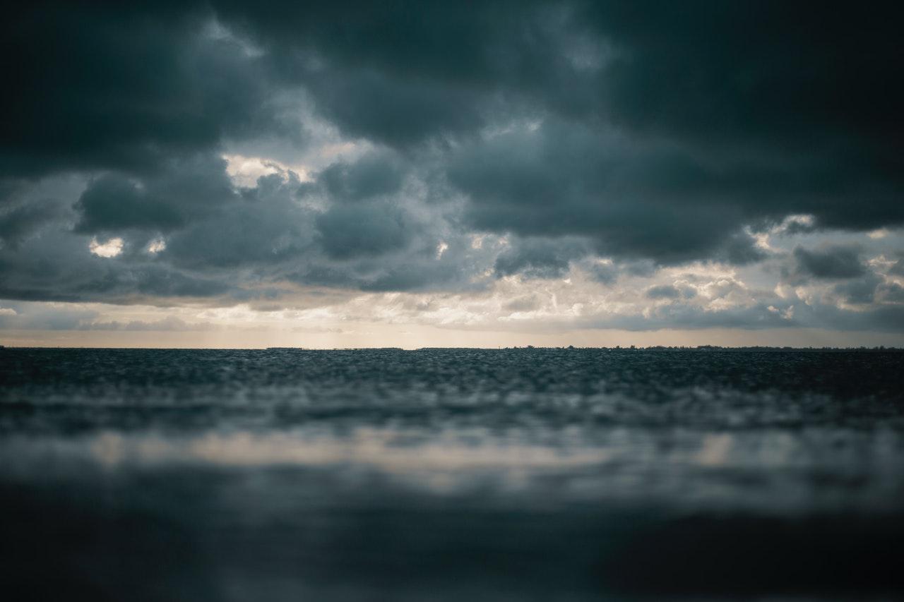 Tombolt a vihar hétfőn - negyvenezren maradtak áram nélkül az Alföldön