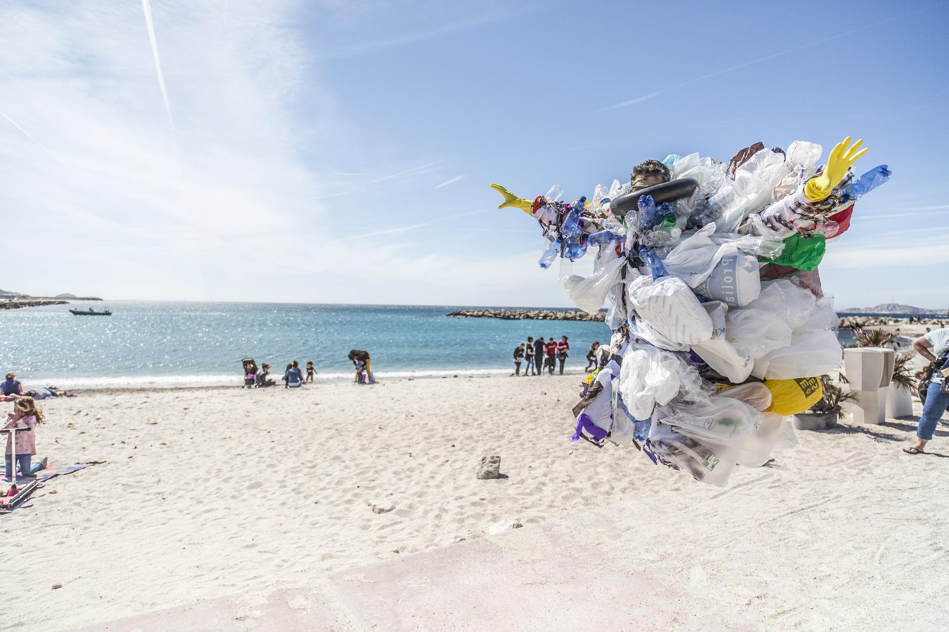 Betiltják a műanyag zacskókat Magyarországon 2021-ben