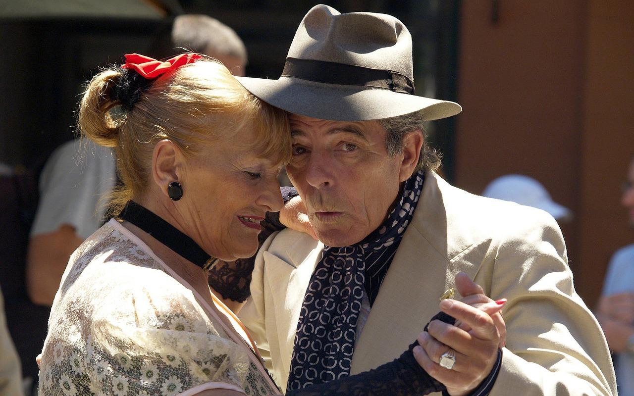 Jó hír a nyugdíjra gyűjtőknek: visszajöttek a buliba a munkahelyek