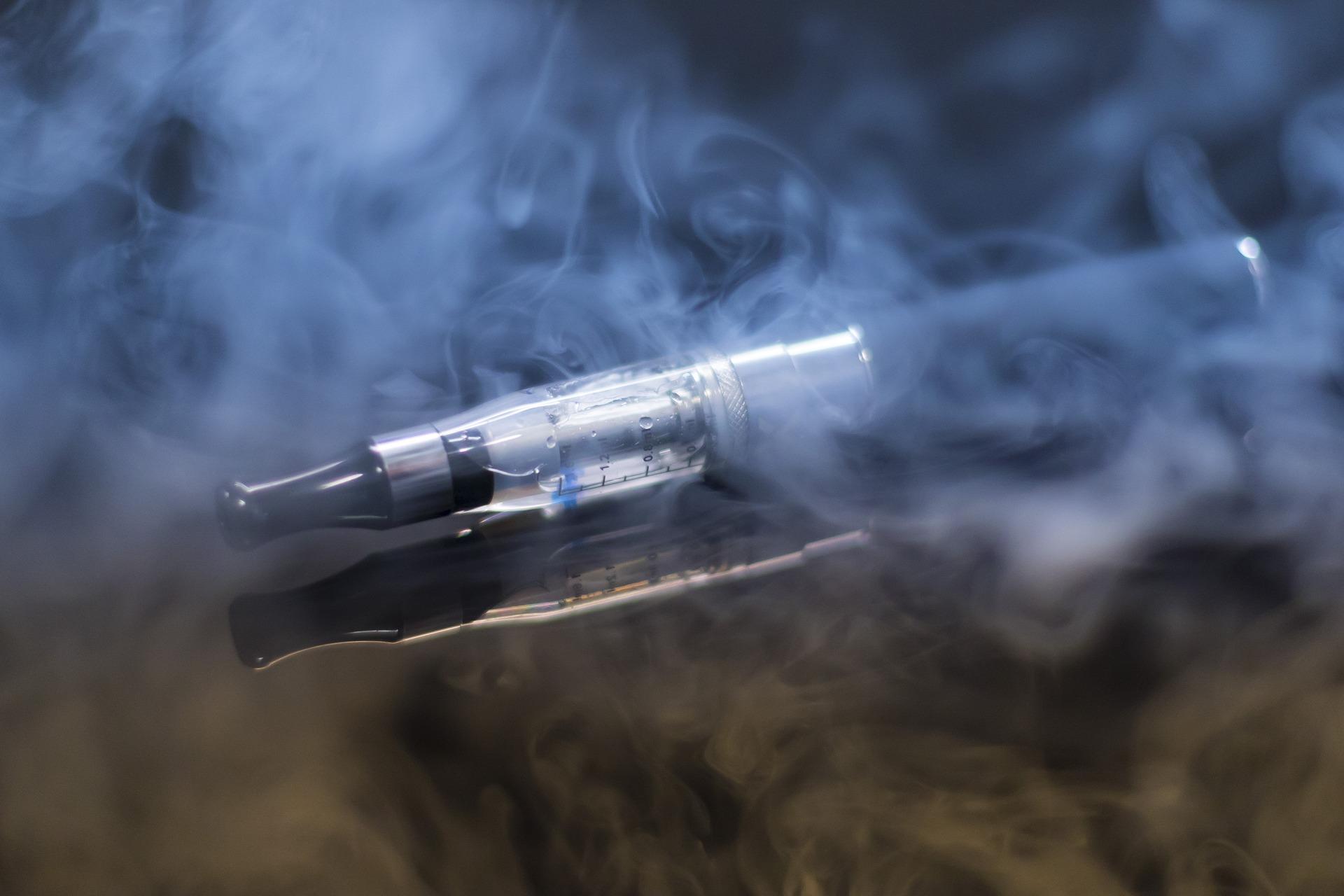 E-cigaretta: új kockázat a biztosítók számára is