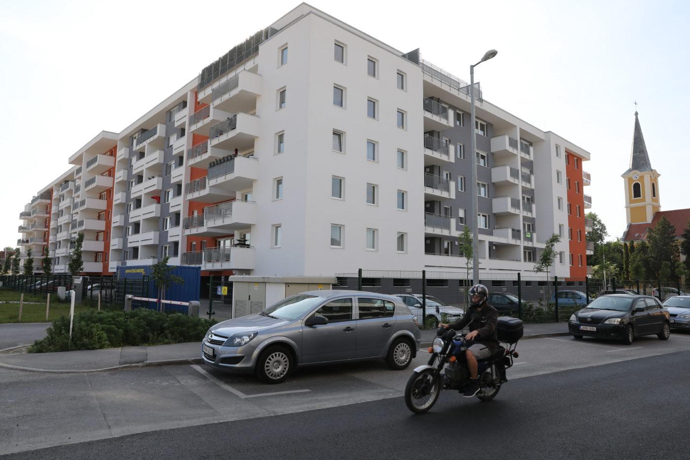 MNB: felfelé törnek az ingatlanárak