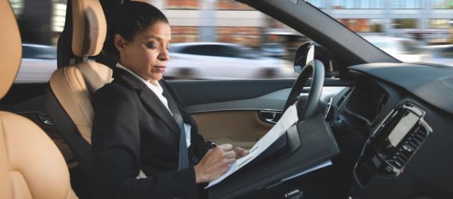 Kihagyhatatlan a mesterséges intelligencia a jövő autóiból
