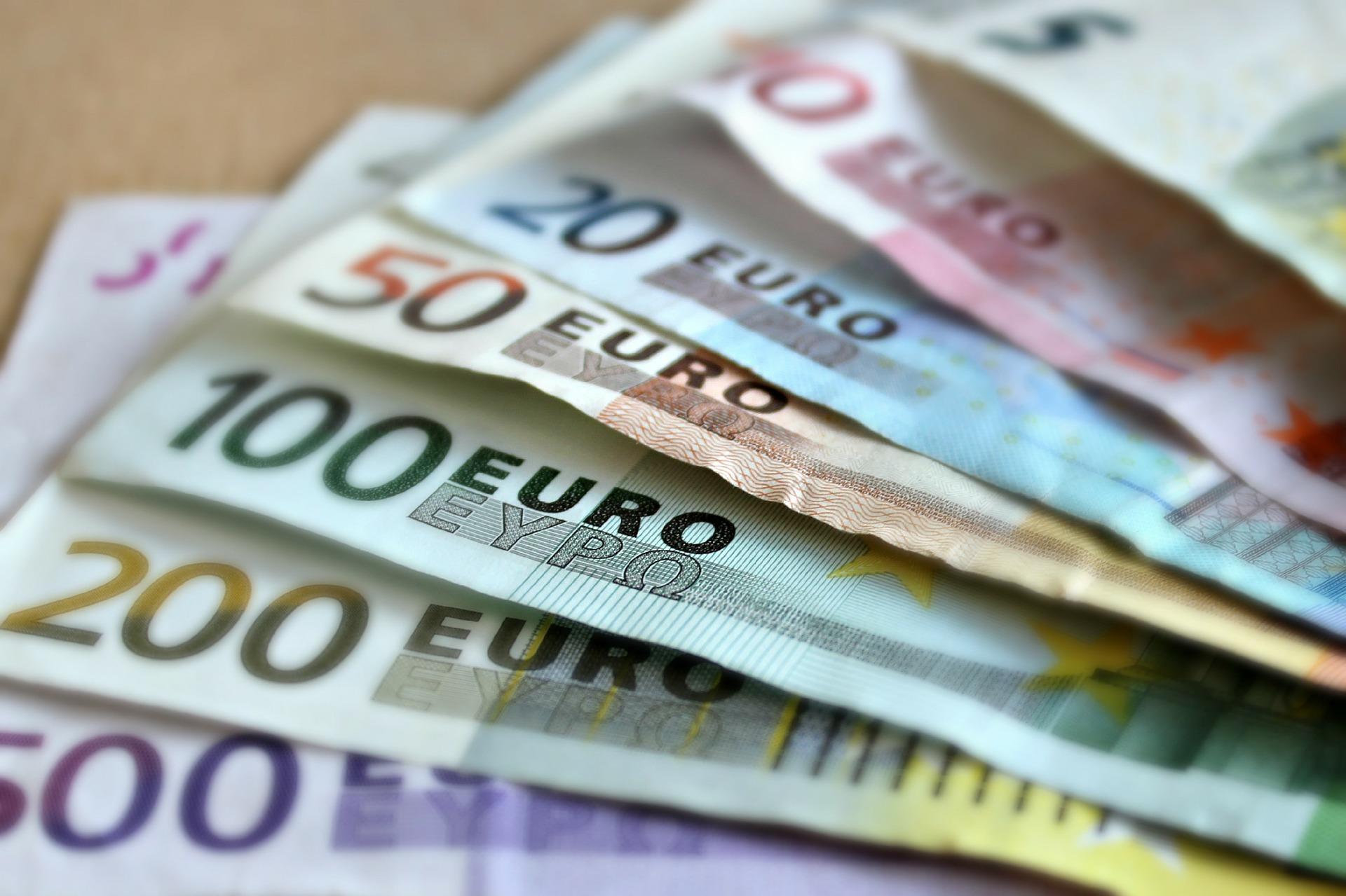Nagy változás jön a pénzátutalásnál - több százezren örülhetnek