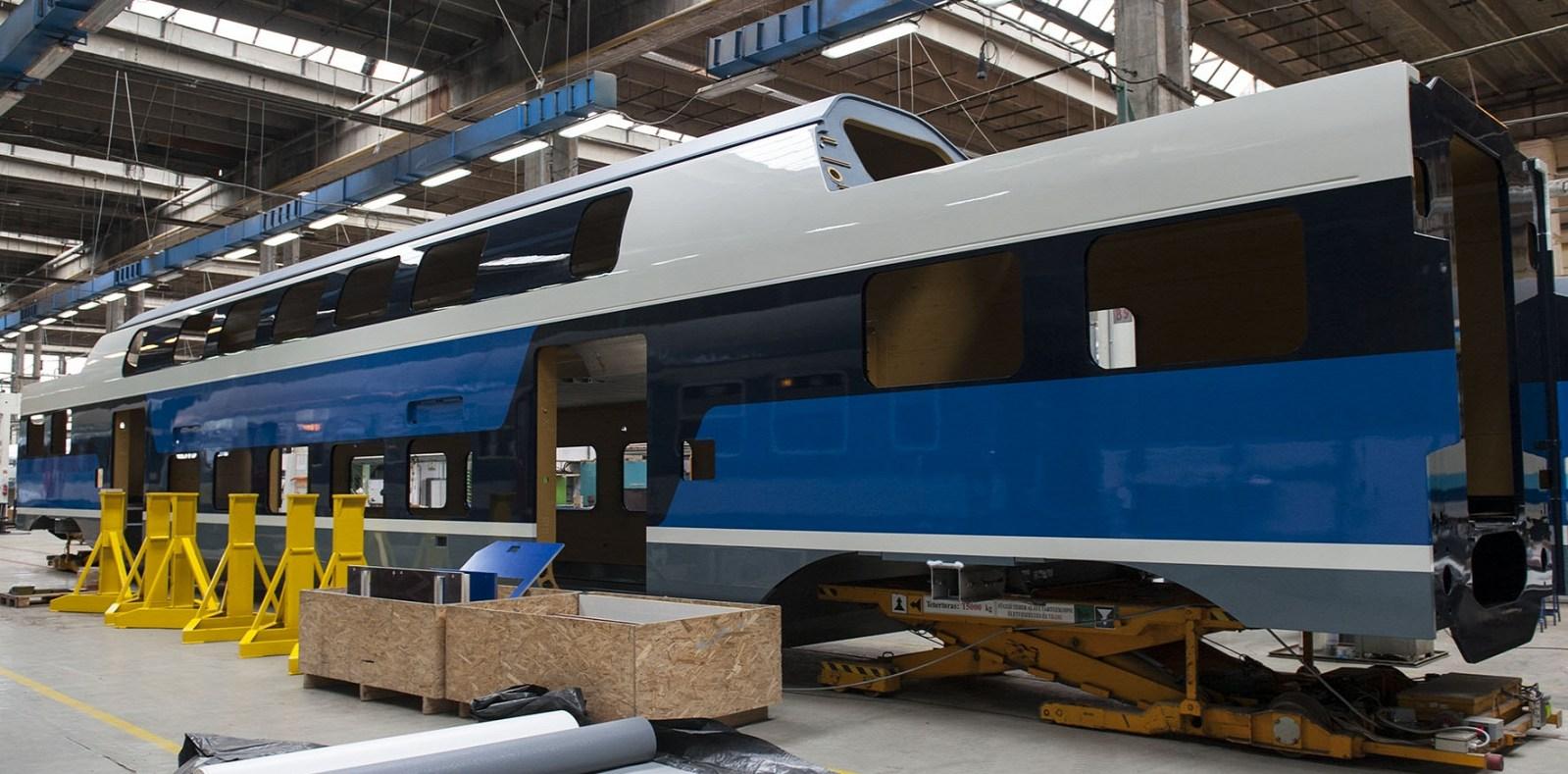 Itt vannak a MÁV első emeletes vasúti kocsijai