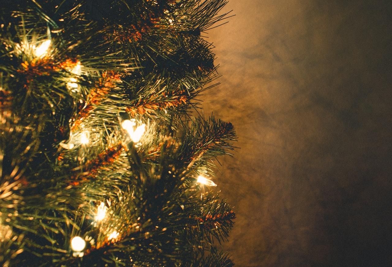 Súlyos problémát okozhatnak a hamisított karácsonyfaizzók!