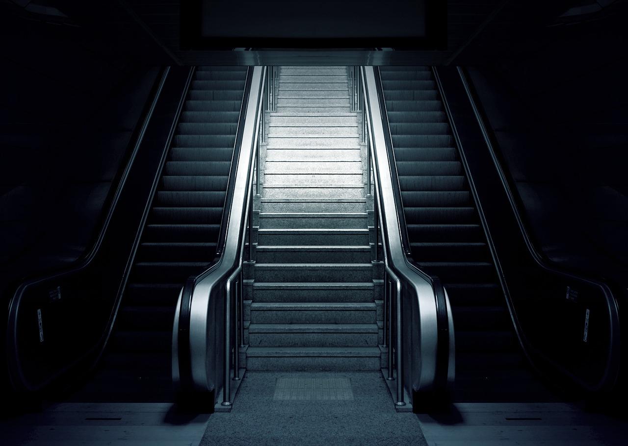 Metrófelújítás: A BKV szerint tartható a határidő