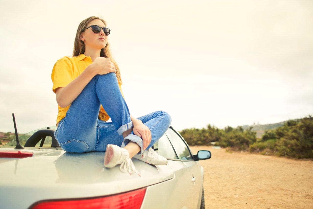 Autókölcsönzés: Túl sok volt a fogyasztói panasz, lépett az EU
