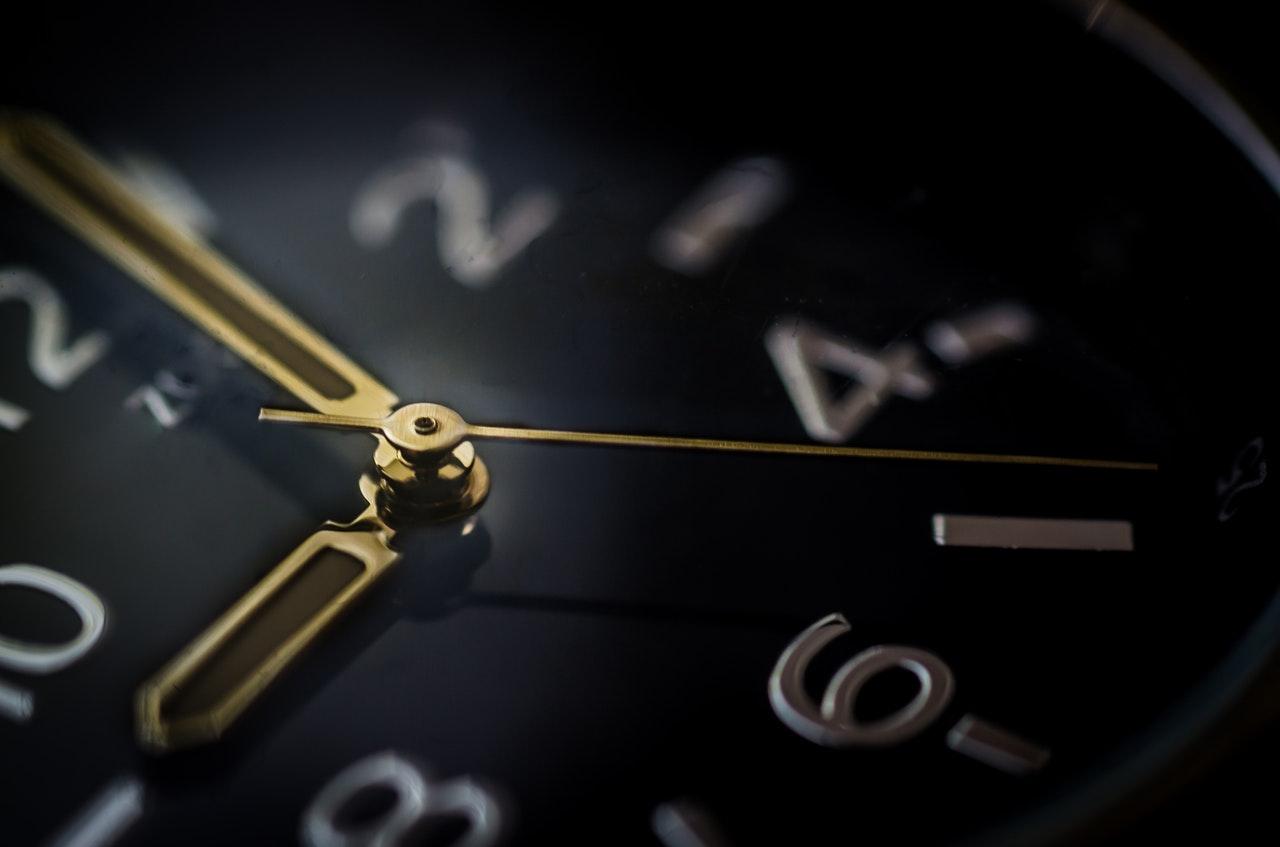 Melyik időszámítást vezetik be Magyarországon?