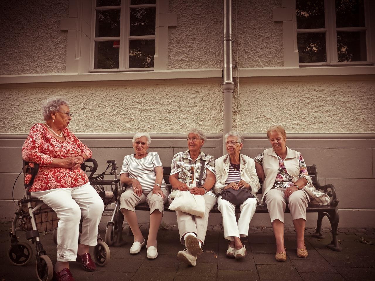 Rekord számú nő élt a negyvenéves korkedvezménnyel