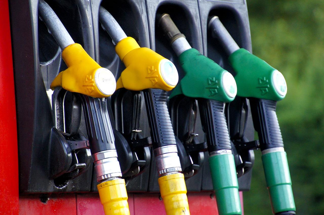 Láncreakció indulhat - Újra 300 forint alatti benzinár jön Magyarországon?